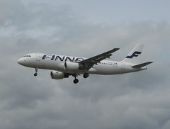 Finnair A320 (mjabbasi) Tags: london airport heathrow finnair airbus a320
