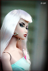 Alisa (astramaore) Tags: beauty fashion toy glamour doll erin longhair scene greeneyes blonde chic making royalty whitehair fulllips fashionroyalty straightlonghair