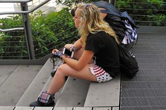 patriotic girl (omoo) Tags: street newyorkcity girl pretty chelsea phone legs manhattan cell patriotic scene blonde glove shorts redwhiteandblue highline citypark beautifulgirl upintheair dscn9495 flagshorts patrioticgirl starsandstripesshorts girlwithacellphone