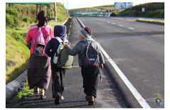"""Camino a la escuela<br /><span style=""""font-size:0.8em;"""">En Totonicapán las temperaturas por las mañanas requieren de algunos sudaderos y otros implementos.</span> • <a style=""""font-size:0.8em;"""" href=""""https://www.flickr.com/photos/78169357@N03/10212342795/"""" target=""""_blank"""">View on Flickr</a>"""
