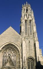 Arras, glise St-Jean-Baptiste, tour-clocher (Ytierny) Tags: france vertical architecture tour pierre religion btiment gothique artois arras paroisse clocher edifice pasdecalais eglisestjeanbaptiste lieudeculte arrageois ytierny