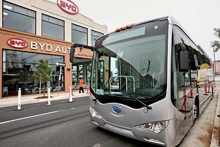 比亚迪电动巴士美国立足记
