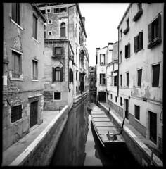 da ponte delle tette (zerozeroufo) Tags: venice blackandwhite canals venezia biancoenero canale kodaktmax hasselbladswcm vicinoantichecarampane