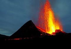 v25 (loïcabadie) Tags: eruption pitondelafournaise laréunion réunion volcan lave