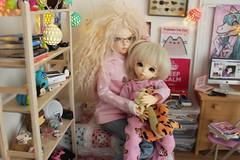 Cuddles before bed (Princess Stitch) Tags: bjd dio diorama playscale littlefeeante minifeechloe fairyland yosd msd bedroom spampypjs