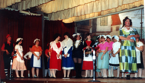 1983 Robinson Crusoe 01 (Bryan Prince as Dame, June Francis in blue and white, Pauline Womersley in white hat)