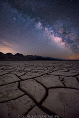 Milk to the Crack (Jaykhuang) Tags: milkyway nightphotography mudcrack mud crack deathvalley nationalpark jayhuangphotography