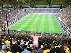 FORZA BVB. (MisterSifter.) Tags: shotoniphone iphone7plus iphoneography capturethemoment capture photography photooftheday peoplewatching people peoplephotography naked blackandyellow schwarzgelb borussiadortmund bvb football fusball stand südtribüne tribüne crowd fans fan