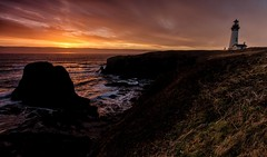 Yaquina Head Lighthouse - Sunset (Don3rdSE) Tags: don3rdse 3rdsiblingphotography canon canon5d 5d eos february 2017 or oregon coast oregoncoast beach point scenic seascape travel weather ocean water lighthouse yaquinahead surf