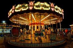 Noite com carrossel (Helvio Silva) Tags: fun noite carrossel brinquedo diversão parque park lowlight luzes light paraiba brasil helviosilva
