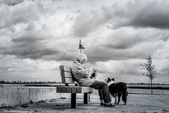 Hoorn April (peterpj) Tags: hoorn clouds wolken reader dog sony a6300 sigma sigma3014c bw silverefexpro2
