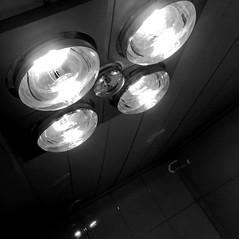 #Ceiling (INSTAGRAM - tania.prosdocimo) Tags: bathroom heat light bw blackwhite ceiling