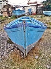Barche.... (lucianoserra490) Tags: maredinverno barche pescatori genovacitta