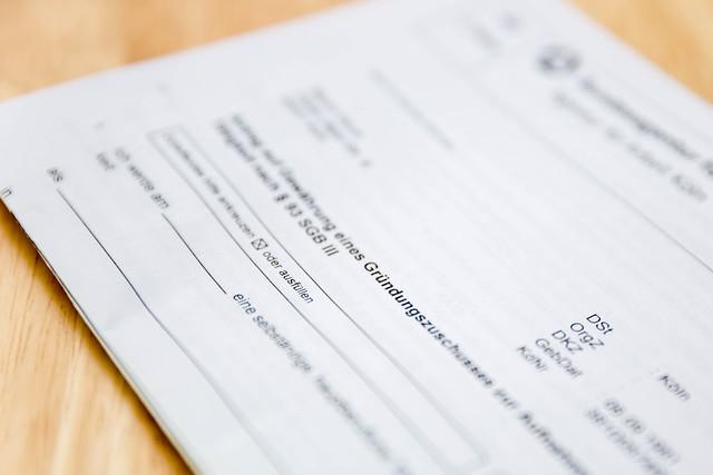 転職時の源泉徴収票の扱い・ない場合は再発行?年末調整の書き方