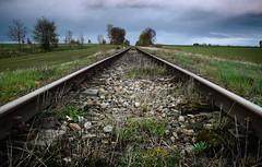 Proste (daamiank) Tags: tory kolejowe rail railroad tracks chmury clouds nikon cokin filtr połówkowy wiosna spring