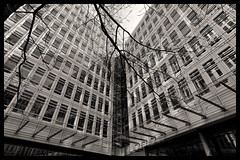 Central Saint Giles (Matthias Harbers) Tags: centralsaintgiles building architecture tree uk england black white monochrome dxo photoshop topaz labs traveling unitedkingdom europe nikon 1 v3 bw 6713mm nikkor outdoor raw nef