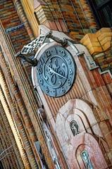 "NYC - ""Old"" G.E. Building, 570 Lexington Ave - art deco clock (David Pirmann) Tags: newyorkcity nyc lexingtonavenue artdeco gebuilding clock generalelectric architecture"