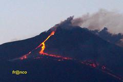 Eruzione (fr@nco ... 'ntraficatu friscu! (=indaffarato)) Tags: italia italy sicilia sicily etna montagna mongibello eruzione