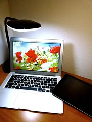 Macbook Air 2013 News May Lumiy LEDs LED Lamp1060703 (stanfordgreentrees) Tags: pro macbook macbookpro macbookair macbookproretina 15inchmacbookproretina