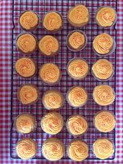 Hawaiian sunset cupcakes for @tomcoates!