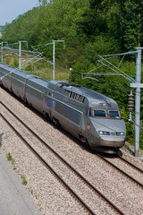 TGV est / high-speed french train (_NicoDem_) Tags: france canon mark railway ii 5d tgv highspeed est 5dmarkii 5dmkii
