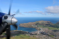 Over Port Erin/Bradda Head whilst approaching Isle of Man (Ronaldsway Airport) onboard British Airways Saab 2000 G-CDEB (Daniel Nicholson) Tags: greatbritain airplane flying britishisles britain aircraft aviation wing aerialview aeroplane fromabove british britishairways saab aerialphotography birdseyeview fromtheair isleofman airplanewindow manx viewfromtheair saab2000 viewfromabove airplanewing aeroplanewindow worldfromabove aeroplanewing danielnicholson gcdeb viewfromthewing viewfromwing