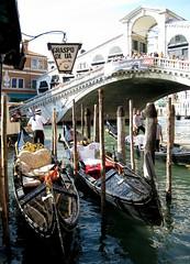Venice (293) (Silvia Inacio) Tags: bridge venice italy veneza boat canal barco ponte gondola venezia itlia