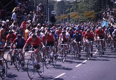 1982 World Cycling Champ023 (Tim Callaghan) Tags: cycling jones 1982 bikes flags kelly 35mmslides roads crowds goodwood lemond saroni worldroadracechampionships