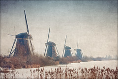 kinderdijk (heavenuphere) Tags: world winter heritage texture mill ice netherlands windmill vintage river landscape canal frozen site europe frost nederland unesco polder kinderdijk alblasserwaard molen lek noord zuidholland southholland 55250mm molenwaard vision:mountain=0746 vision:outdoor=099 vision:clouds=0541 vision:sky=0736