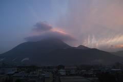 DP1M0124 (Keishi Etoh rough-and-ready photoglaph) Tags: dawn sigma foveon yufuin dp1  ooita   mtyufu dp1m dp1merrill sigmadp1merrill