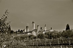 Sunny day in San Gimignano (Antonio Cinotti ) Tags: blacka