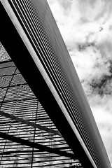 London building (Marcos Molina (laro)) Tags: travel bw abstract building london architecture arquitectura edificio bn abstracto