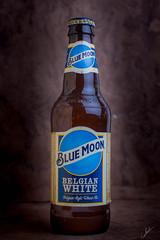 IMG_9751.jpg (Carlos M.C.) Tags: beer heat blue oscura bluemoon domingo cafe moon bodegon calor cerveza naranja