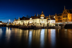 Amsterdam Central Station (PaulHoo) Tags: amsterdam night evening longshutter 2017 blue hour nikon d700 central station damrak architecture cityscape light lightray city urban cityview illuminated neon building rokin color