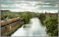 Tales from the Navigation (david.hayes77) Tags: 66732 class66 shed gbrf southyorkshire yorkshire b6090 hootonroad sheffieldandsouthyorksnavigation sheffieldsouthyorksnavigation canal 2017 kilnhurst 6m23 freight engineeringtrain spring pastoral bucolic