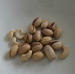 Cashew Nuts-0197.jpg (ttivadb) Tags: cahew cracking nuts