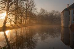 IMG_8916 (chemist72 (Pascal Teschner)) Tags: fog morning sunrise castle groningen outdoor water park reflection canon40d slochteren borg
