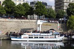 Péniche Insoumise - Paris (Jacques-BILLAUDEL) Tags: europe france franceinsoumise jeanlucmélenchon éléectionprésidentielle2017 paris îledefrance laguyane péniche boat bateau