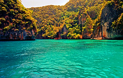 Phi Phi Island (David Basiove) Tags: thailand phiphiisland canon f1 film 35mm