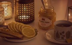 Motsatser: sött och surt (nillamaria) Tags: fotosondag fs170409 motsatser teatime marmelad te citron lemon jam