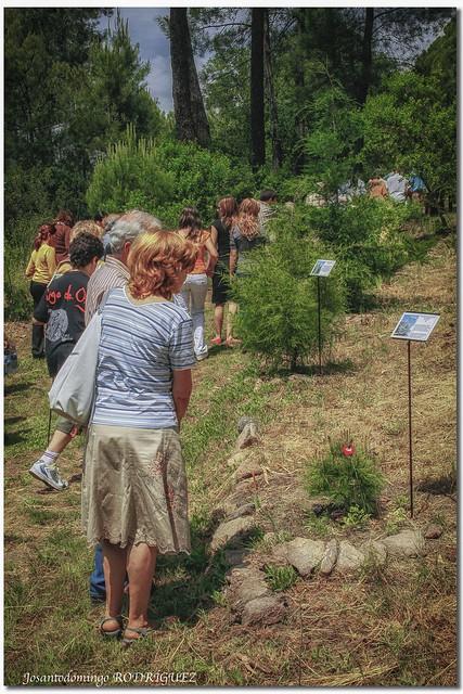Visitantes en el Jardín Botánico de La Adrada