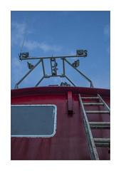 IMG_7736 (Carlos M.C.) Tags: holbox mañana madrugada despertar blanco negro color barco bote lancha ferry camarote rojo azul salvavidas amarre cuerda botes