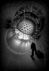Train Station Art (jaap spiering | photo projects int.) Tags: jaapspiering jaapspieringphotographer jaapspieringfotografie blackandwhite monochrome zwartwit bw noiretblanc bnw streetphotography street people mens mensen theta360 denhaagcentraal stationthe hague fun