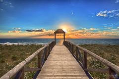 Una Puerta al Mar (Marcial Carretero) Tags: puertaalmar puerta gate mar sunset puestadesol sea cádiz barbate andalucia spain españa andalousie espagne