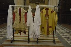 Chiesa del Gesù o Casa Professa: paramenti liturgici in sagrestia (costagar51) Tags: palermo sicilia sicily italia italy storia arte anticando