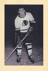 1944-63 NHL Beehive Hockey Photo / Group II - TOD SLOAN (Centre / Right Wing) - Autographed Hockey Card (Chicago Black Hawks) (#139) (Baseball Autographs Football Coins) Tags: hockey beehive 1934 1967 19341967 groupi groupii groupiii woodgrain torontomapleleafs bostonbruins newyorkrangers montrealcanadiens chicagoblackhawks detroitredwings montrealmaroons newyorkamericans card photos hockeycards brooklynamericans nationalhockeyleague nhl todsloan centre rightwing