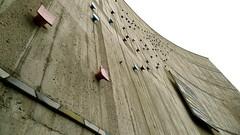 Liederhalle Stuttgart, Facade with ceramic add-ons and mosaic, architect Gutbrod (Winfried Scheuer) Tags: beton keramik ceramic bend arch building architecture rudolf steiner 50s drama cinema hollywood mosaic postwar pattern color cool