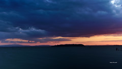 Sunset on Trasimeno Lake (RoyBatty83) Tags: pentax penta pentaxiani k5 pentaxda1855wr pentaxk5 da1855wr wr 1855 pentaxda1855alwr filter ndfilter lake laketrasimeno water umbria perugia trasimeno polvese polveseisland isolapolvese isola tramonto sunset tramontosullacqua colors elements nature naturephotography clouds cloudysky sky cloudy