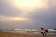 Waves (Roi.C) Tags: sun sunset clouds sea seascape landscape outdoor nature beach people waves mediterraneansea telaviv israel nikkor nikon nikond5300