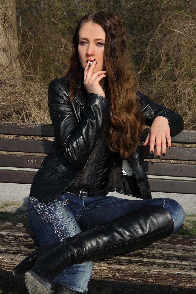 Smoking brunette leather jacket 6